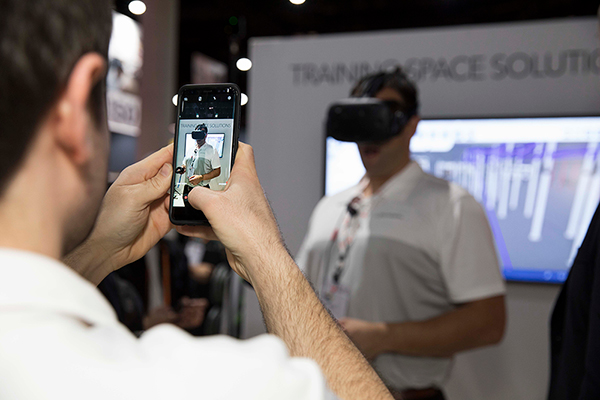 VirtualReality Axonom How Effective is Virtual Reality at Trade Shows?